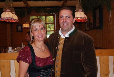innkeeper Hans Stadtmmüller with his wife monika